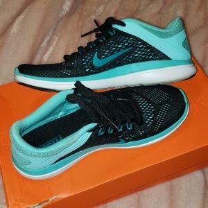 Nike flex run Womens sneakers